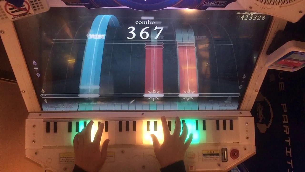 【ノスタルジア】ETERNAL BLAZE(CYBER J-ROCK Remix)(Expert)Pianist 手元 – 長さ: 2:27。