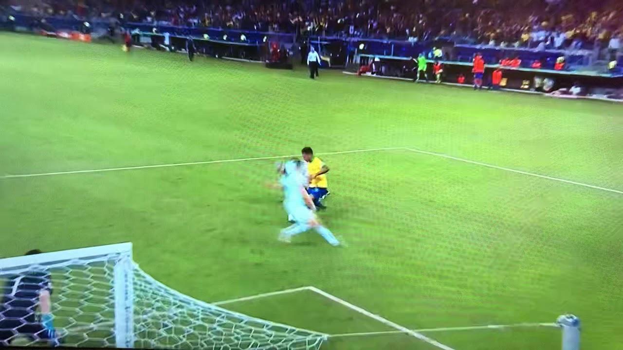 [コパアメリカ準決勝]ジェズスのドリブル突破からフィルミーノへの冷静なお膳立て。ブラジル追加点!ブラジル – アルゼンチン – 長さ: 0:47。